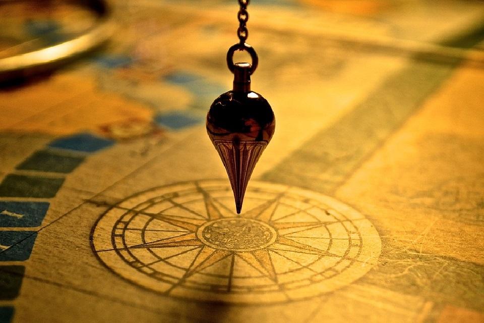 地図を記すコンパス