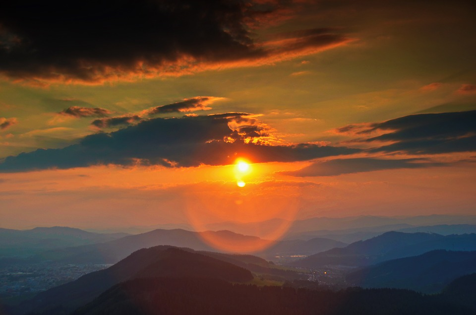 稜線と斜陽